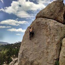 Himmel Wolken Felsen Mann klettern Ayahuasca Erfahrungsberichte